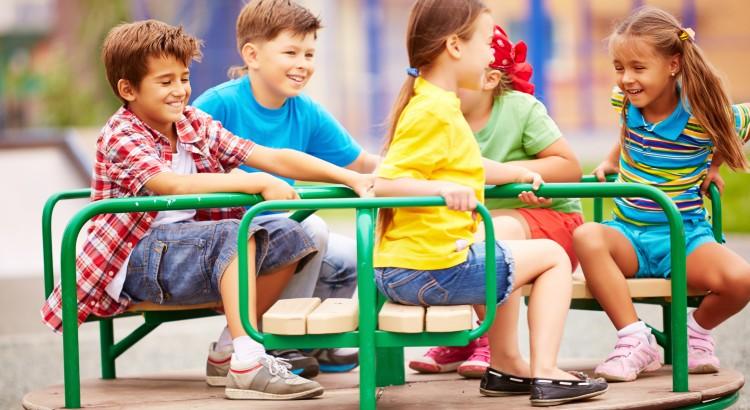 5 brincadeiras antigas que precisam ser ensinadas às crianças