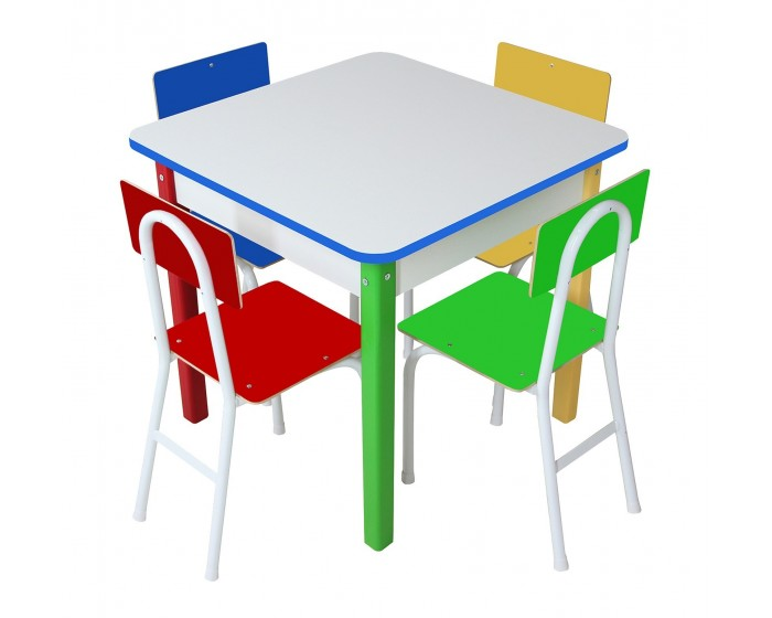 Mesa com 4 cadeiras de Ferro